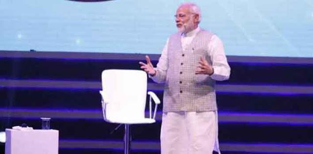 प्रधानमंत्री मोदी ने कहा-''आप कभी सोचते हैं कि मां भी कभी थकती होगी