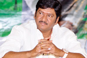 Rajendra-Prasads-wife-in-check-bounce-case-Andhra-Talkies