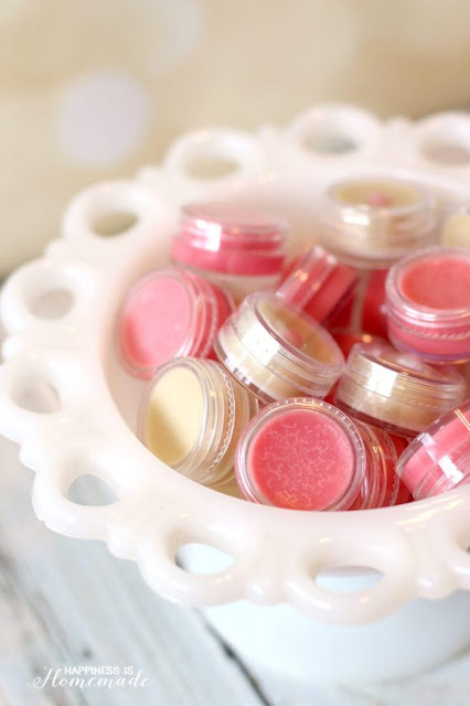 Homemade-Lip-Balm-Gloss-is-a-Great-DIY-Holiday-Gift-Idea-beauty tip