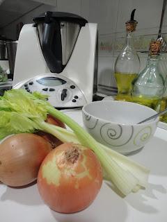 Caldo de apio y cebolla para adelgazar