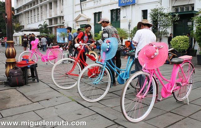 Bicicleta-Plaza-Fatahillah