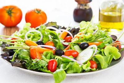 Benefícios das Saladas na Alimentação