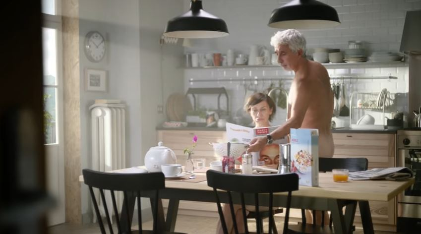 Modello e modella ikea pubblicit vivi a modo tuo con foto for Ikea a modo tuo