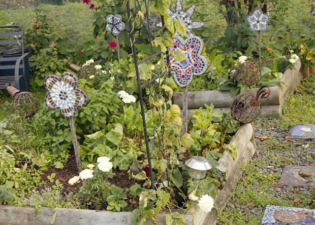 Rotorua Artist Janet Keen' Mosaics