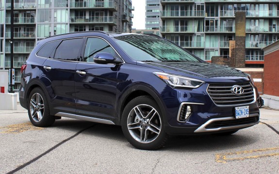 2017 Hyundai Santa Fe AWD Review