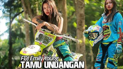 FDJ Emily Young - TAMU UNDANGAN