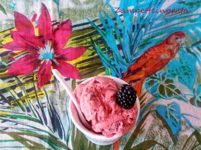 Gelato di more - Ricetta gelato fatto in casa con o senza gelatiera