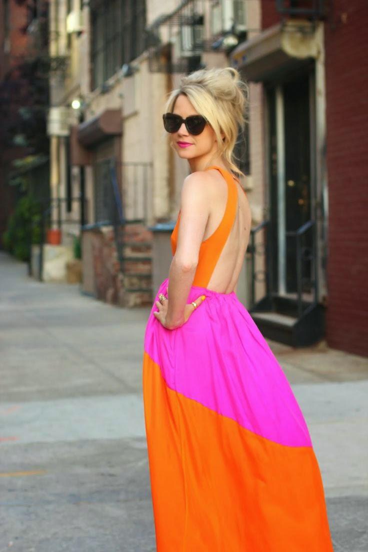 vestido riscas laranjas e rosas