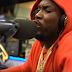 Meek Mill cospe novo freestyle no programa de rádio do DJ Clue