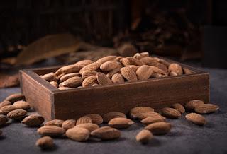 7 Benefits of Almonds for Men's Health