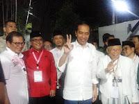 Tiba di KPU, Jokowi: Salam2 Jari
