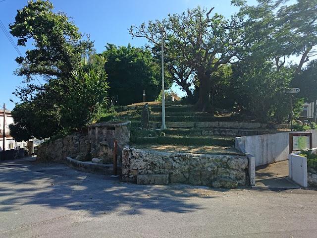富里集落内の拝所群の写真
