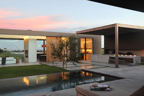 Casas minimalistas y modernas quinchos minimalistas for Casa minimalistas