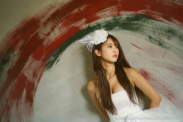 Koleksi Foto Gaun Putih