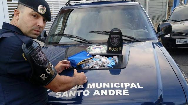 SANTO ANDRÉ - Após denúncia anônima durante Operação Delegada Municipal, ROMO e ROMU apreendem menor por tráfico no bairro João Ramalho