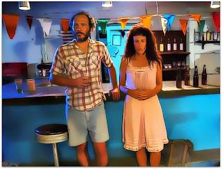 Santa y Andrés - Andrés (Eduardo Martinez) e Santa (Lola Amores) no Bar