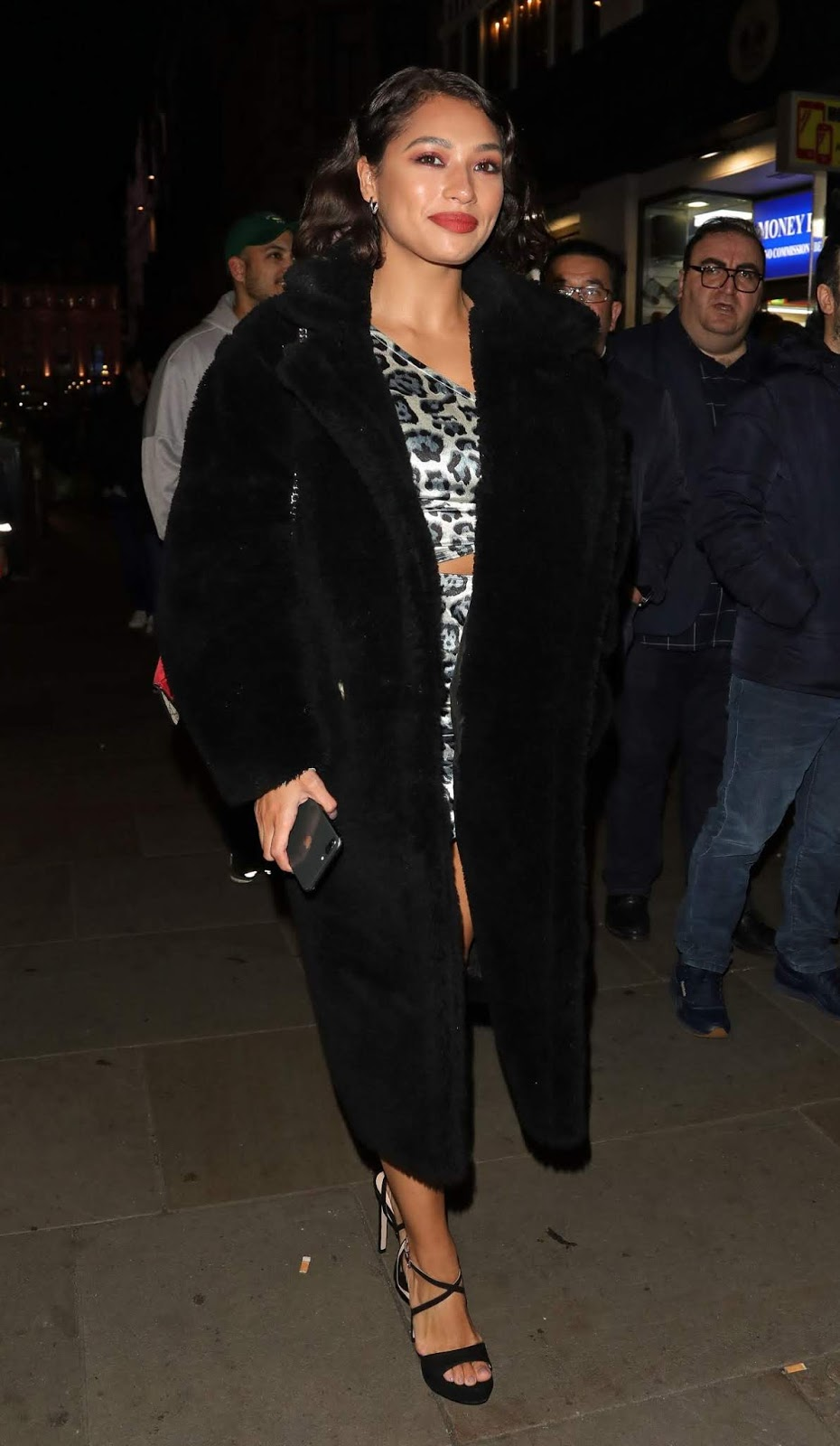 Vanessa White Celebrates Her Sisters Birthday in London - 02/22/2019