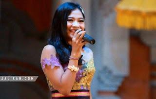 Lirik, Video dan MP3Lagu Sweet Seventeen Nita Pramesti