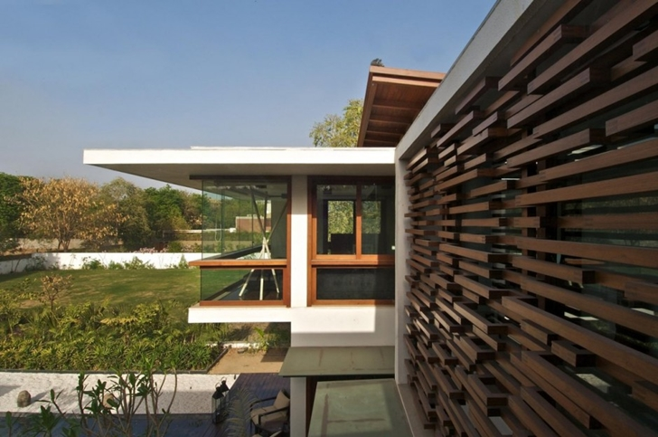 Exterior facade by Courtyard Home by Hiren Patel Architects