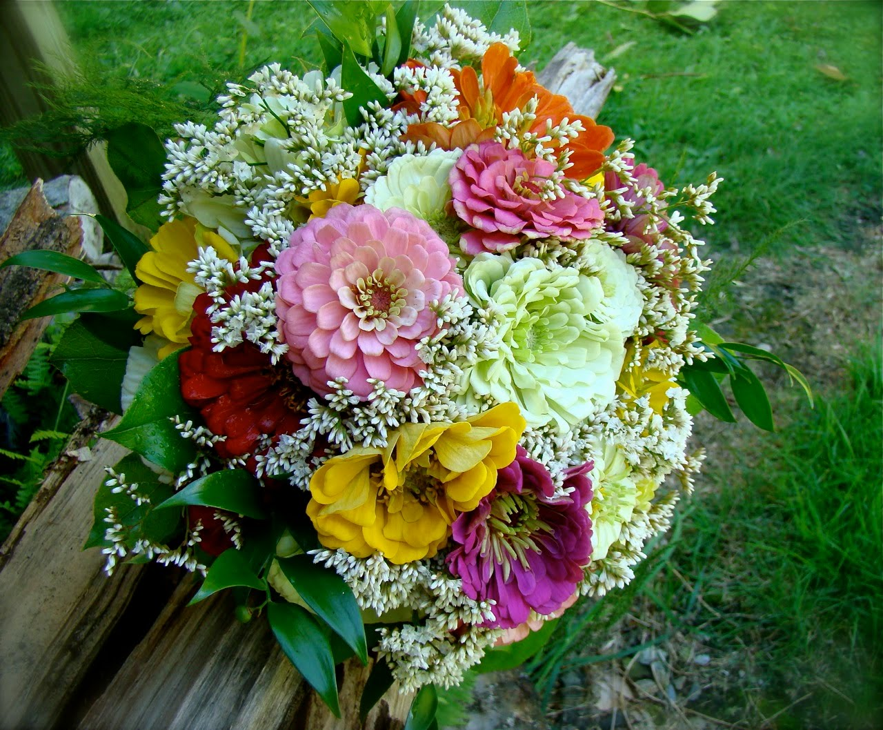 flowers planets zinnia flower bouquet. Black Bedroom Furniture Sets. Home Design Ideas