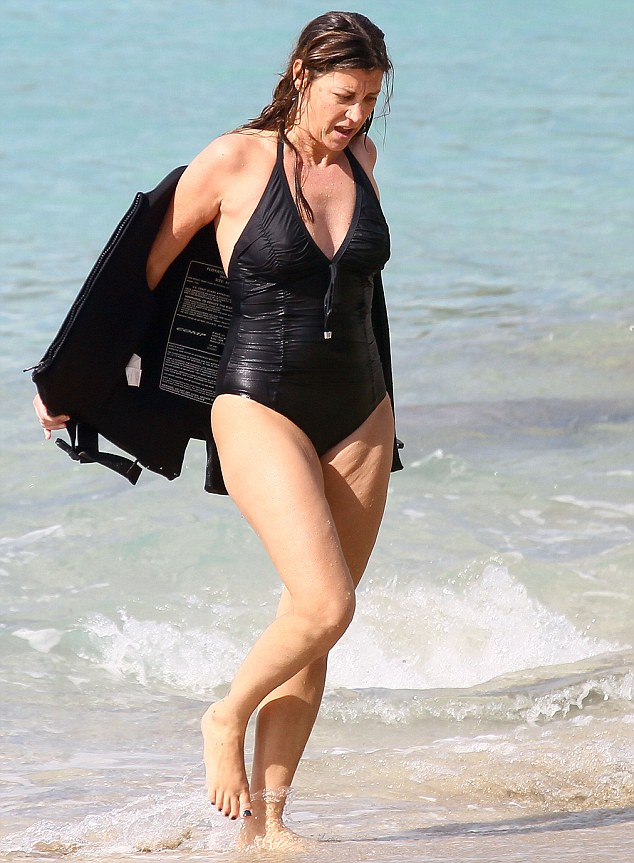 Jon bon jovi is about to go on tour to promote his band's new album, and when that time comes, his wife dorothea says she'll be right where she's been for the last 27 years. Celebrity News Update She S Still Got It Jon Bon Jovi S Wife And Mother Of Four Dorothea 49 Shows Off Her Trim Beach Body During Family Holiday
