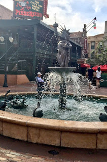 Miss Piggy Fountain Muppets