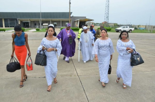 Alaafin of Oyo & his 4 wives arrive Abuja [Photos]
