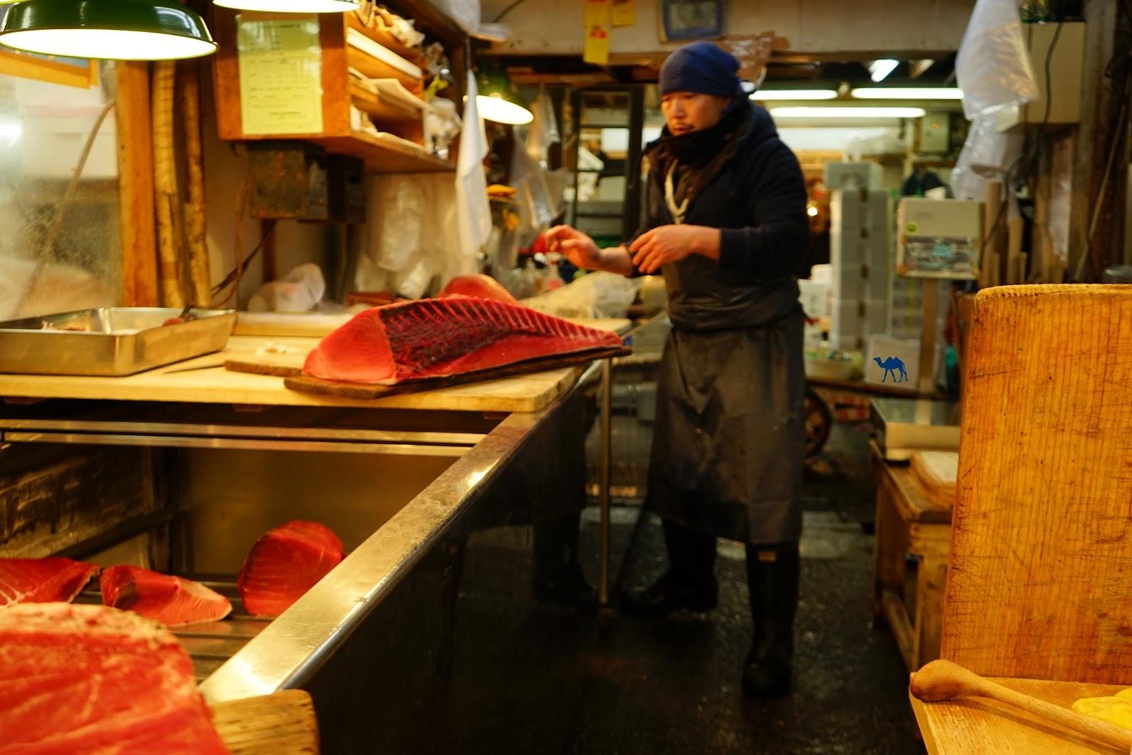 Le Chameau Bleu - Vendeur de thon au Marché au poisson de Tsukiji