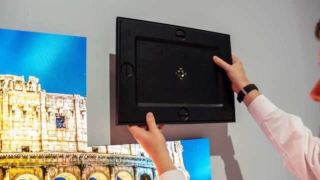 螢幕後方的控制固定組件也可拆卸重新組合