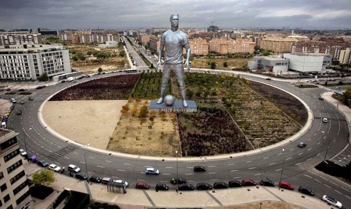 Rotonda dedicada a Cristiano Ronaldo en Sanchinarro