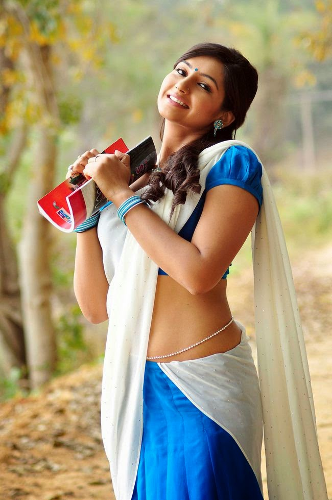 Akshara Haasan Latest Hot Photos in Short Dress at