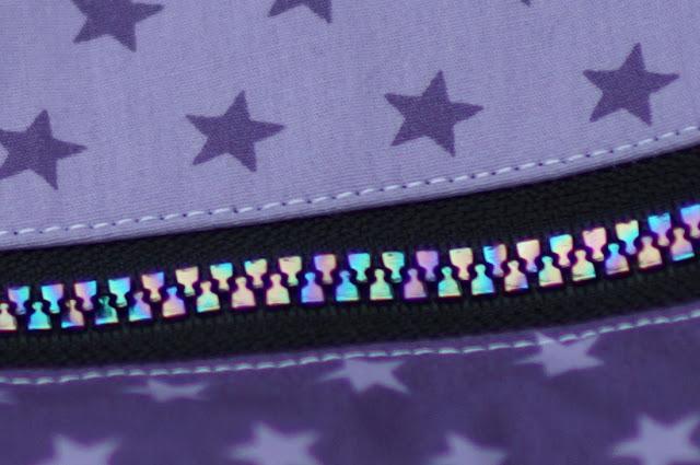 Kindersporttasche Yari von Frau Scheiner, Sternenliebe, Reißverschluss Regenbogen, Rainbow