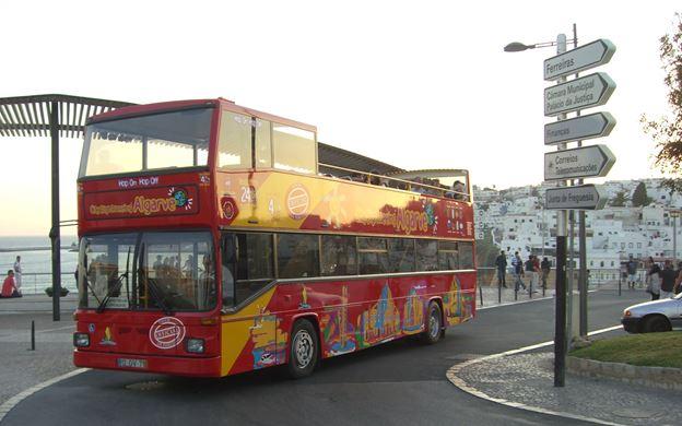 Passeio de ônibus turístico em Albufeira