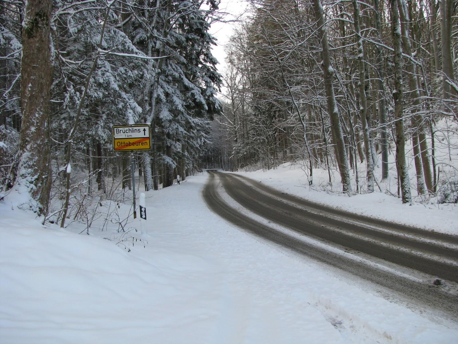 autofahren im winter richtig bremsen bei eis und schnee. Black Bedroom Furniture Sets. Home Design Ideas