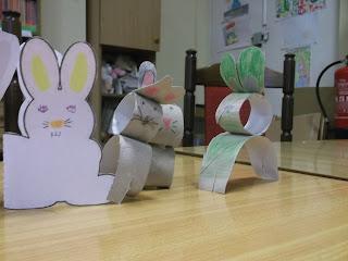 Króliki wykonane z rolek papieru toaletowego