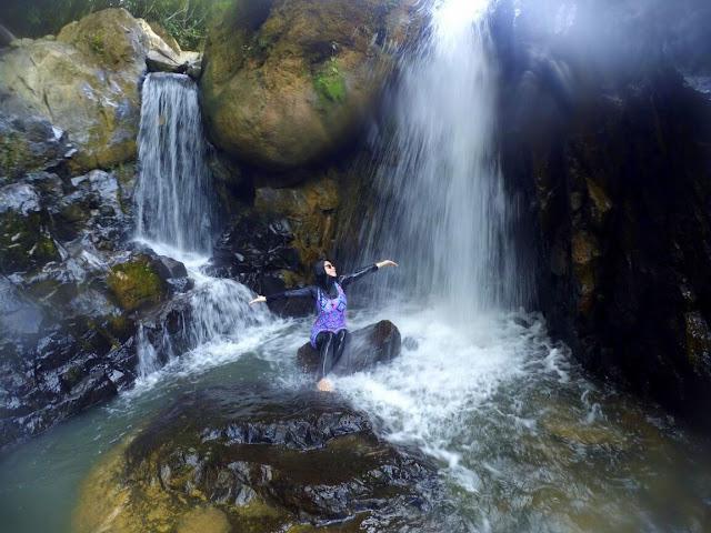 Sungai Gemuruh dan Air Terjun Objek Wisata Sumatera Barat