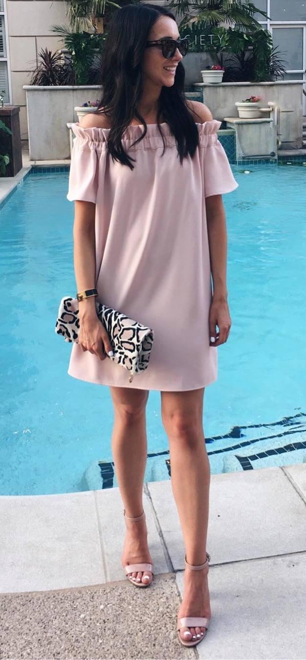 simple summer outfit: dress + heels + bag