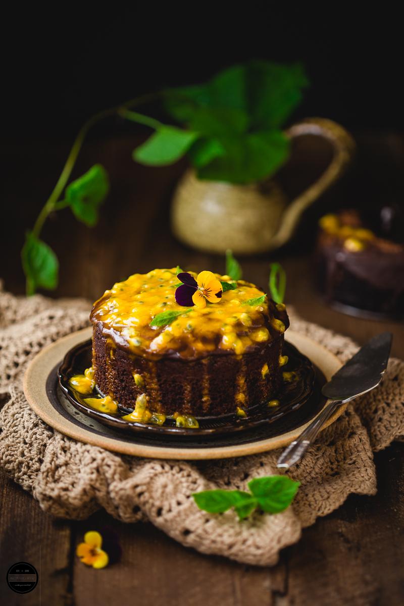 CHOCOLATE-PASSION FRUIT SEMOLINA CAKE