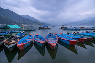 20141114-Pokhara-Canoes.jpg