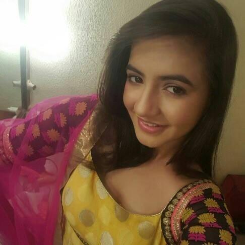 Meera Deosthale age, instagram, date of birth, in sasural simar ka, hot, biography, wiki, facebook