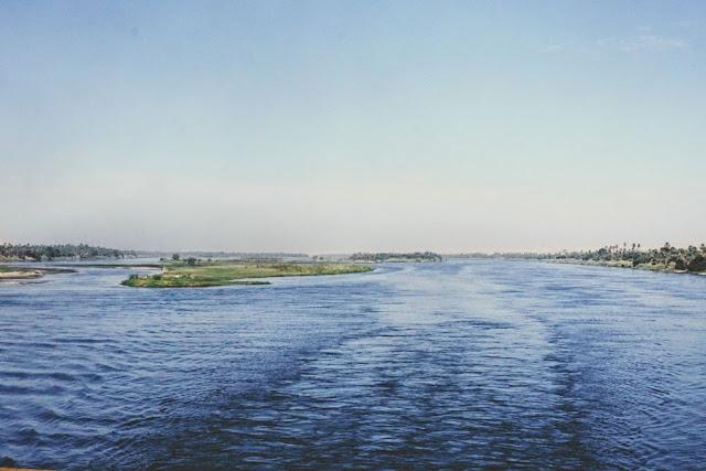ナイル川を上るクルーズ