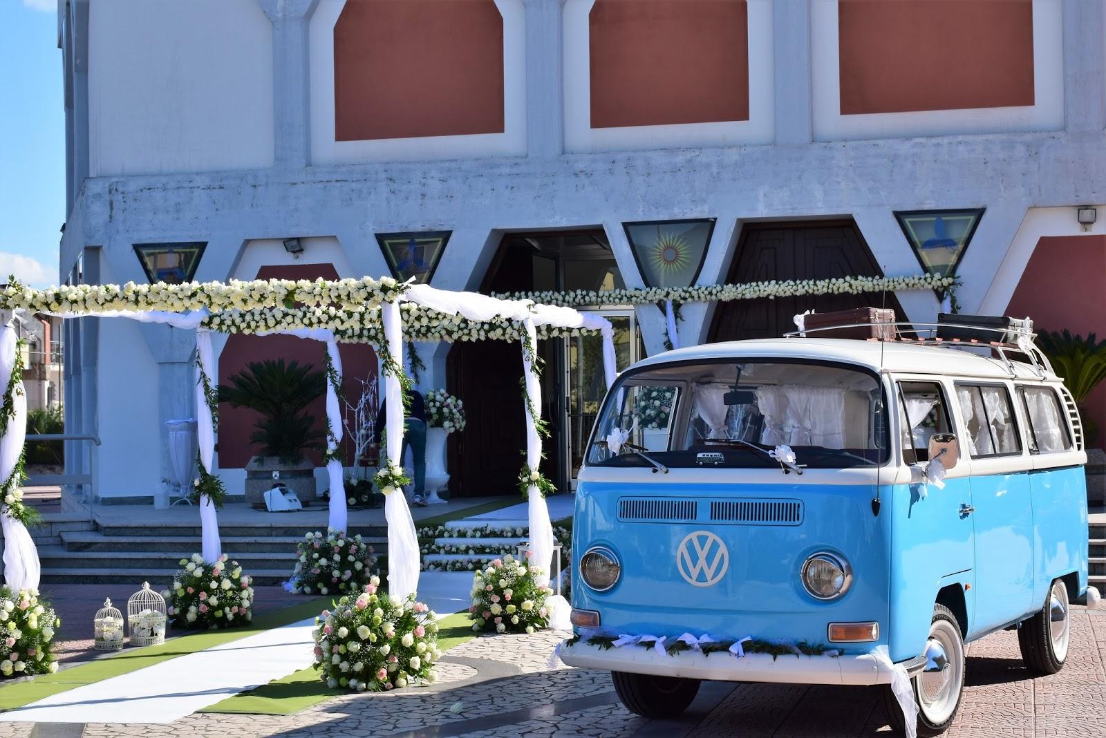 b6759f4be1b2 bus pulmino vintage. transporter volkswagen salerno. wedding car