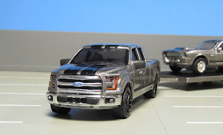 GreenLight Hollywood Hitch & Tow  ford f-150
