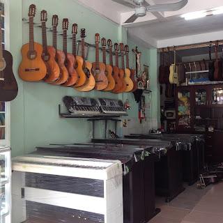 noi-ban-dan-guitar-yamaha-cu-tphcm