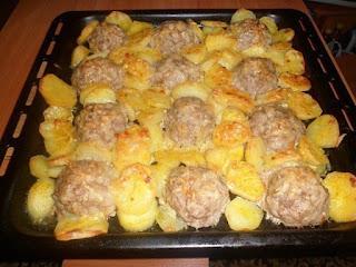 """Мясные """"ежики"""" с картошкой и сыром"""