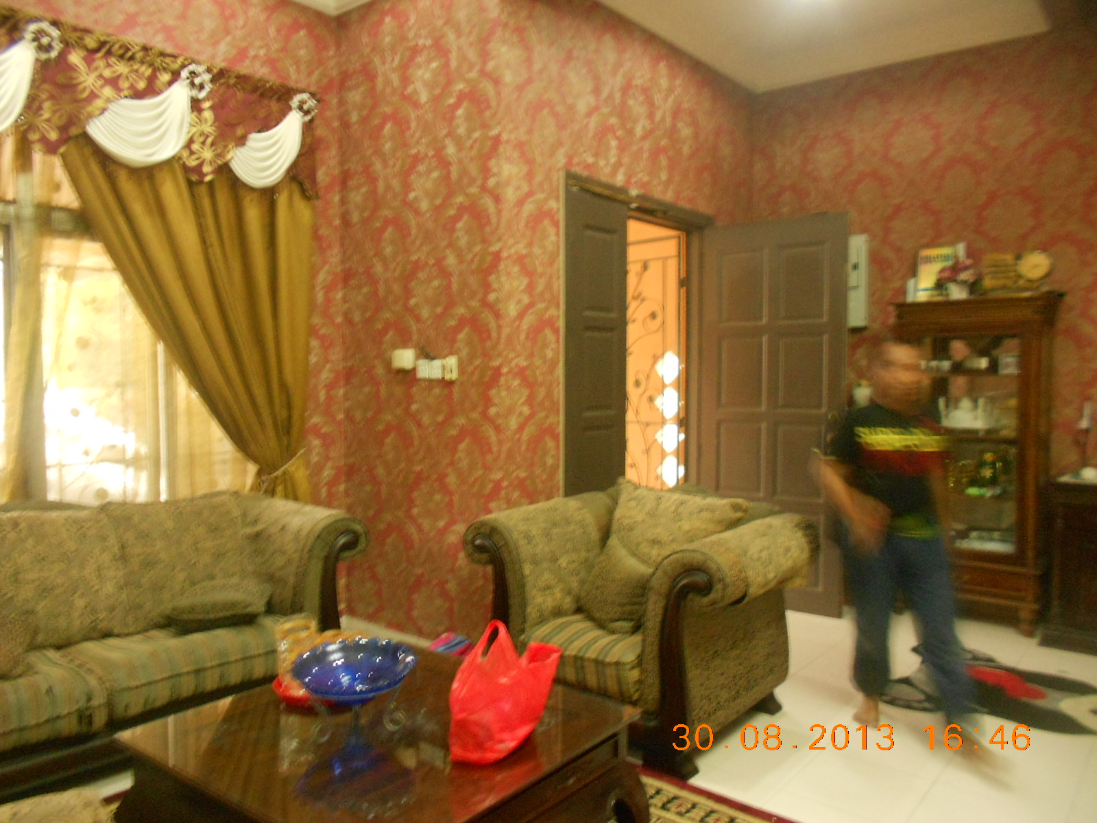 repair sofa shah alam clark sleeper rumah 3 tingkat dengan wallpaper mewah baiti jannati deco