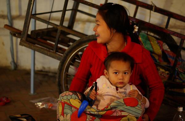 Beginilah Tipikal Wajah Penduduk Laos - liataja.com