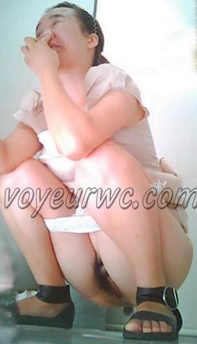 China Voyeur Shit Toilet SpyCam 15. Beautiful girls shitting. (Chinavoyeur B303-374)