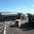 Caminhão tomba no Km 618 da BR 290, no Inhanduí em Alegrete