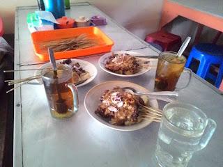 Hidangan sate ayam Madura bu doel sate Bantul